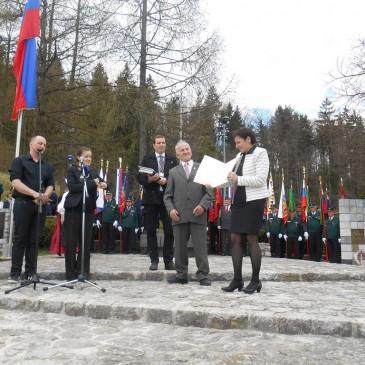 Društvo Tun'ški glas prejelo priznanje za sodelovanje na državni proslavi Dan slovenske zastave na GEOSS-u
